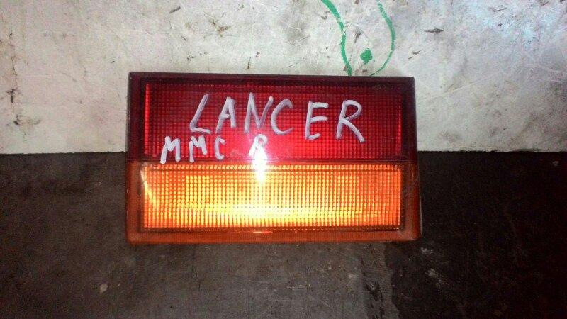 Вставка в крышку багажника Mitsubishi Lancer C61A 4G13 задняя правая