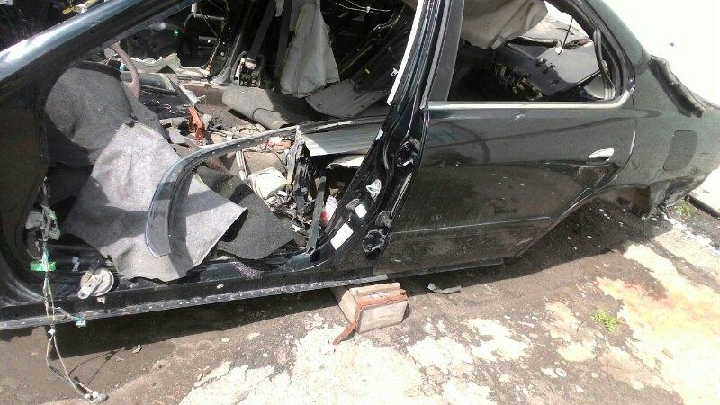 Дверь боковая Honda Inspire UA4 задняя левая