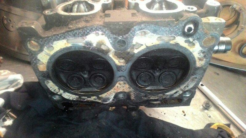 Головка блока цилиндров Subaru Legacy BG5 EJ 18 левая