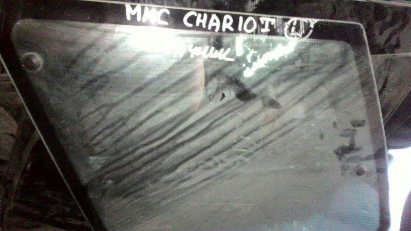 Стекло собачника Mitsubishi Chariot заднее левое
