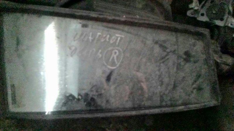 Форточка двери Mitsubishi Chariot задняя правая