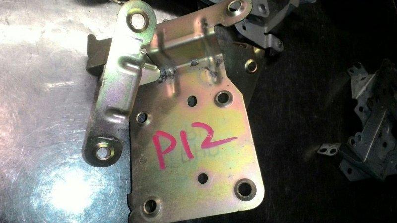 Крепление магнитофона Nissan Primera Р12 QR20DE