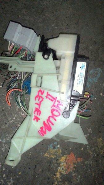 Блок предохранителей Ford Mondeo 2 BAP ZETEC