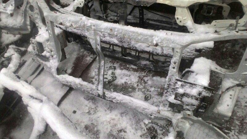 Рамка радиатора Mazda Premacy CP8W FSDE