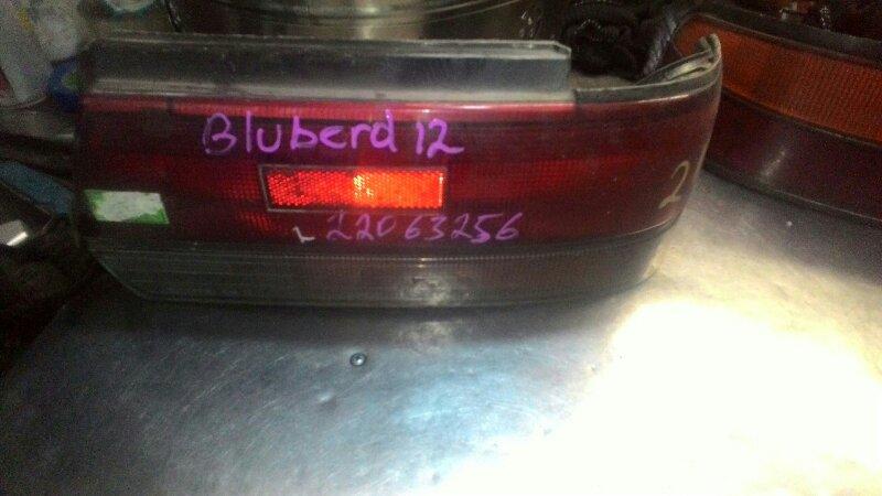 Фонарь Nissan Bluebird EU12 задний правый