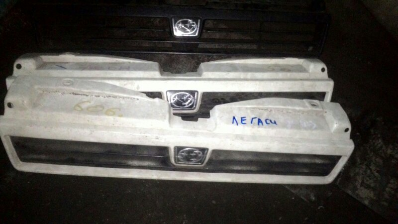 Решетка радиатора Subaru Legacy BF2 EJ18