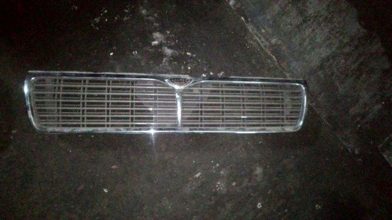 Решетка радиатора Nissan Laurel NC34 RB25DE
