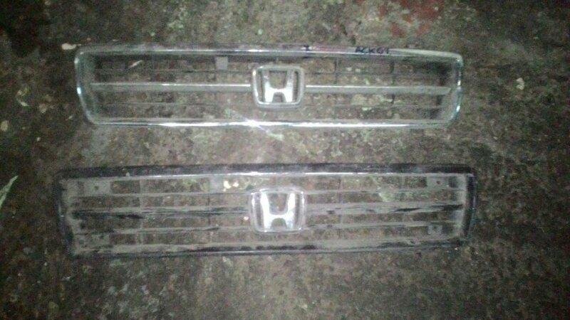 Решетка радиатора Honda Accord CC2