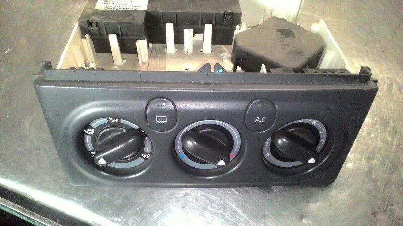 Блок управления климат-контролем Renault Laguna 1 VF1 F4P 2000