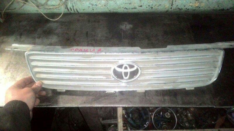 Решетка радиатора Toyota Camry Gracia SXV25 5S-FE