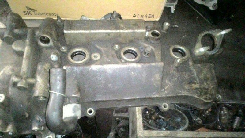 Крышка клапанов Lexus Gs300 GRS190 3GR-FSE правая