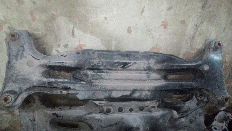 Балка задняя Toyota Harrier MCU30 задняя