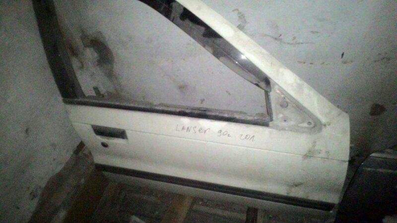Дверь боковая Mitsubishi Lancer C61A 4G13 передняя правая