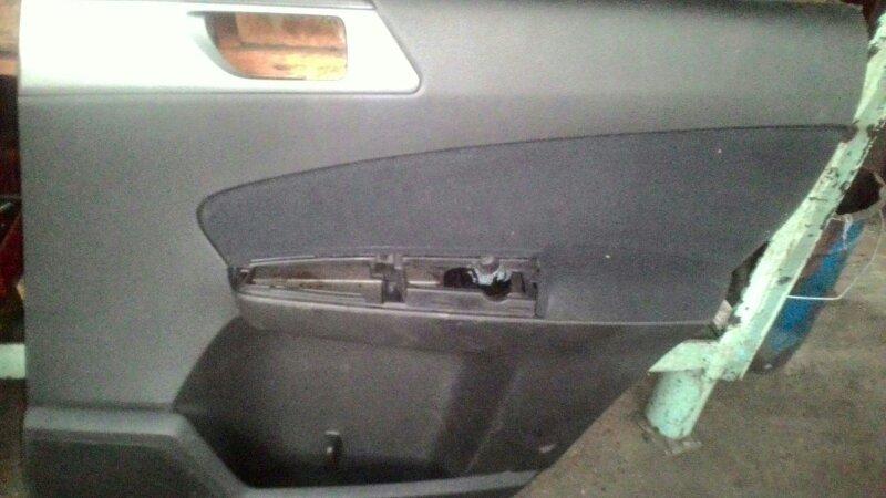 Обшивка двери Subaru Forester SH9 EJ-20 задняя правая