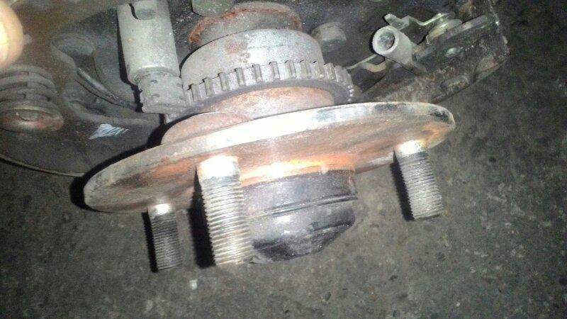 Ступица Nissan Sunny FB15 QG15DE задняя