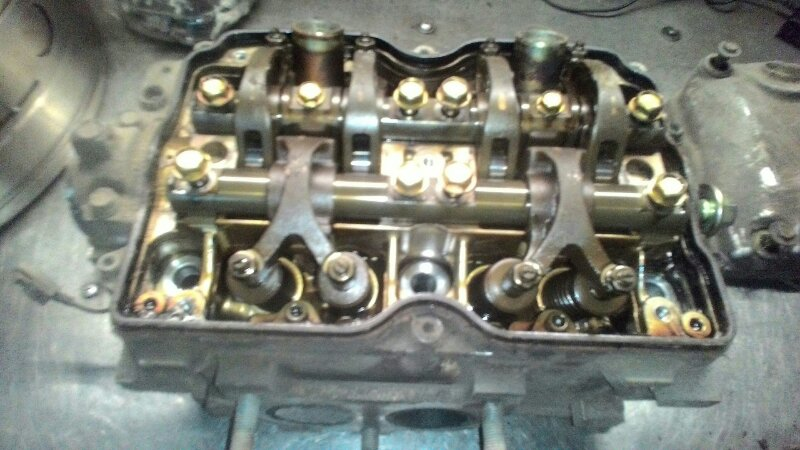 Головка блока цилиндров Subaru Forester SG5 EJ 20 правая