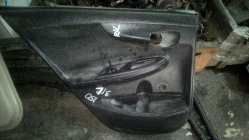 Обшивка двери Toyota Corolla ZRE 151 1ZRFE задняя левая