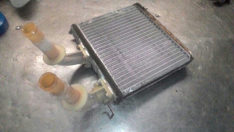 Радиатор печки Nissan Bluebird EU14