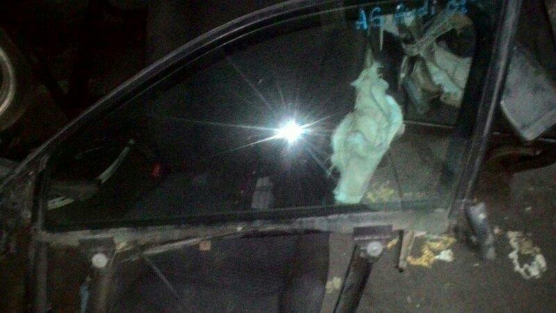 Стекло двери Audi A6 C6 переднее левое