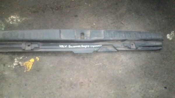 Накладка крышки багажника Honda Hrv GH3 D16A