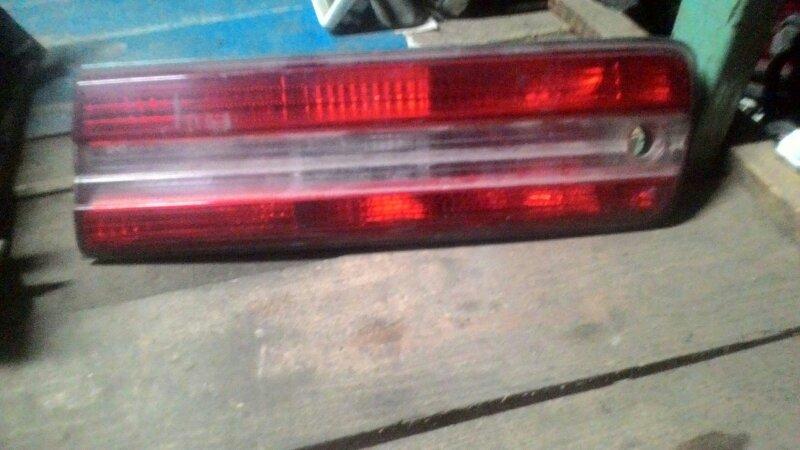 Вставка в крышку багажника Toyota Mark Ii GX 100 1GFE задняя правая