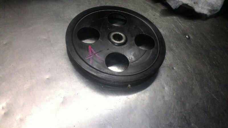 Шкив помпы Toyota Corolla AE110 5AFE