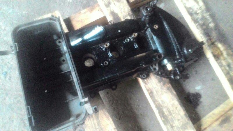 Крышка клапанов Toyota Vitz KSP90 1KR-FE