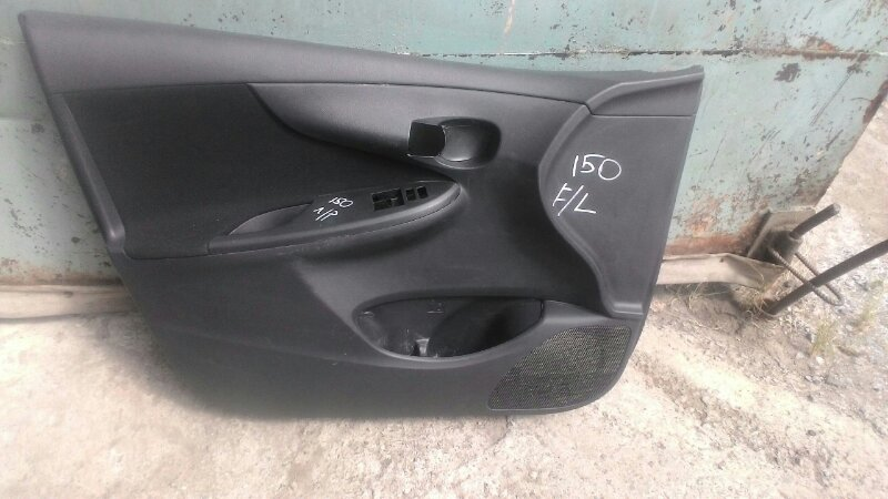 Обшивка двери Toyota Corolla ZRE 151 1ZR передняя левая