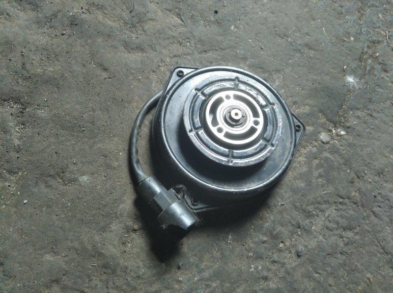 Мотор вентилятора охлаждения Suzuki Escudo TD01W G16A
