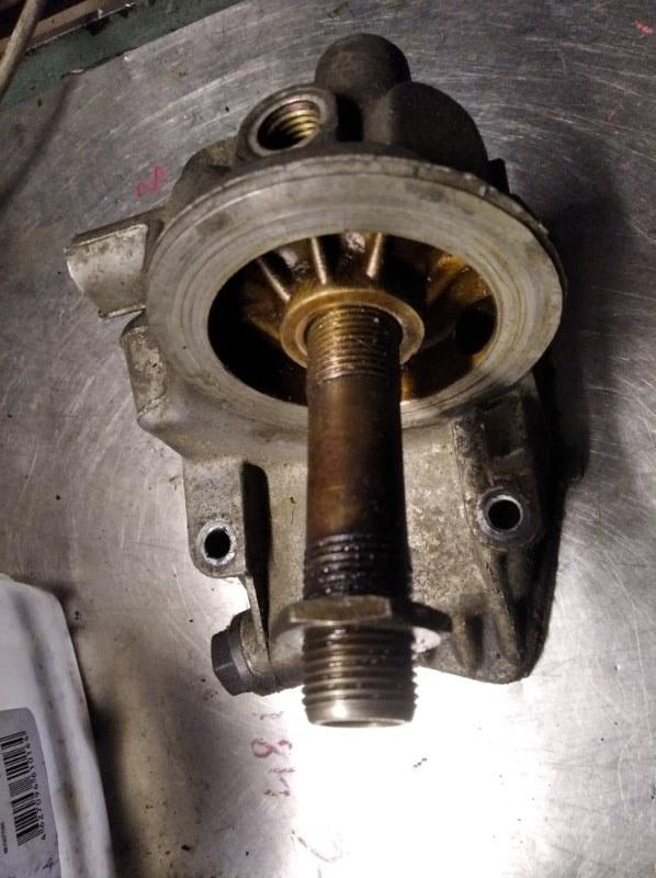 Корпус масляного фильтра Volkswagen Passat B5 AWT