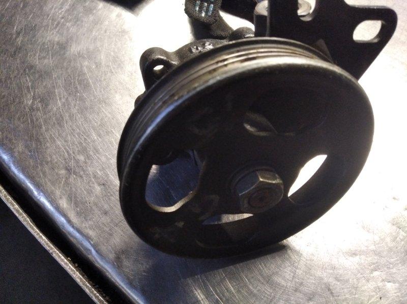 Шкив насоса гидроусилителя Nissan Pulsar FN15 GA15DE