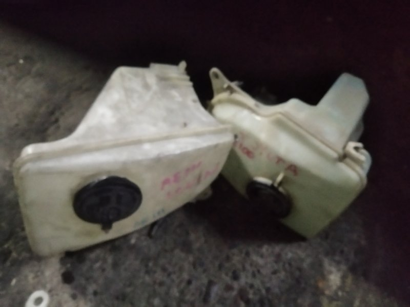 Бачок омывателя Toyota Corolla АЕ110 5A-FE