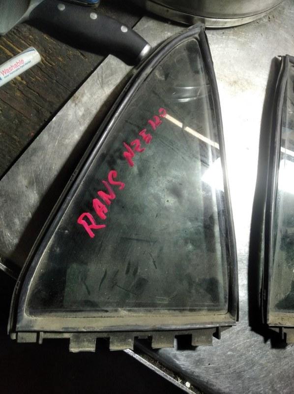 Форточка двери Toyota Corolla Runx NZE121 1NZFE задняя правая