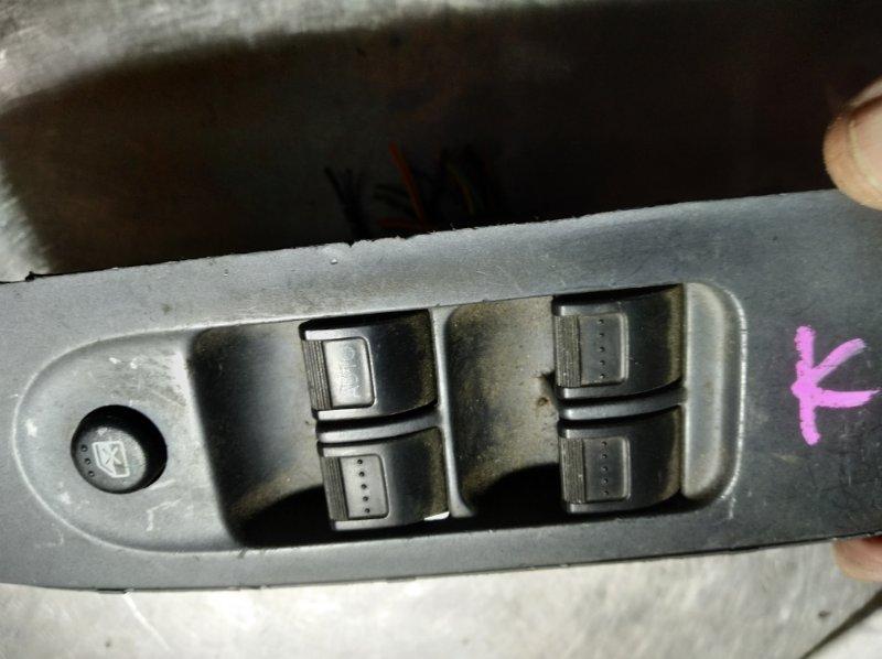 Блок управления стеклоподьемниками Honda Fit GD1 L13A