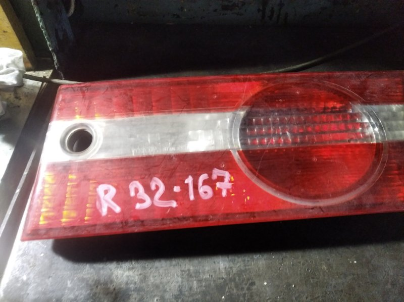 Вставка в крышку багажника Toyota Vista SV50 3S FSE задняя правая