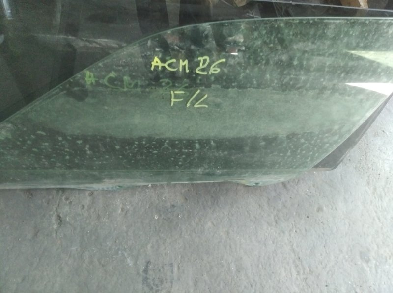 Стекло двери Toyota Ipsum ACM26 2AZ-FE переднее левое