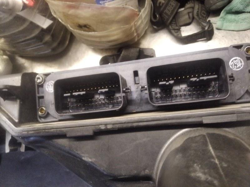 Блок управления двс Mazda Demio DY3W ZJVE