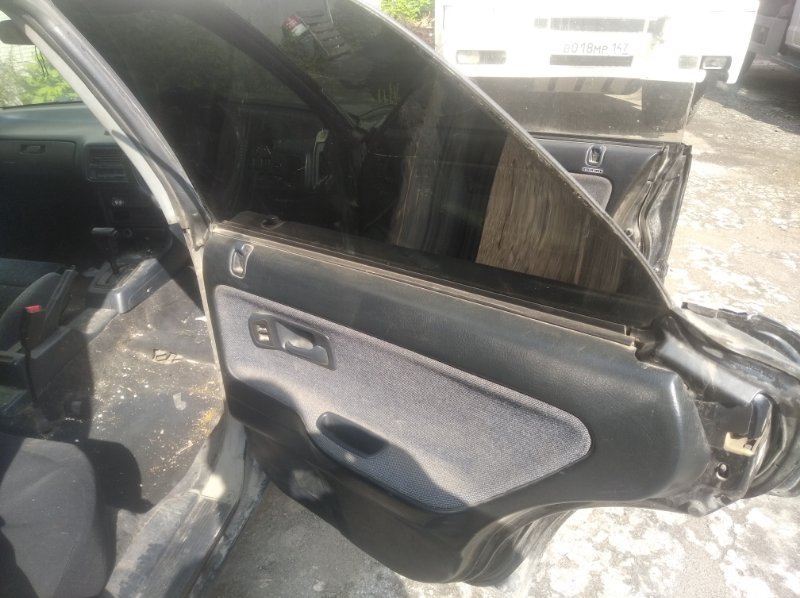 Дверь боковая Honda Integra DA8 B16A задняя правая
