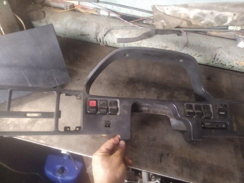 Консоль панели приборов Honda Integra DA8 B16A