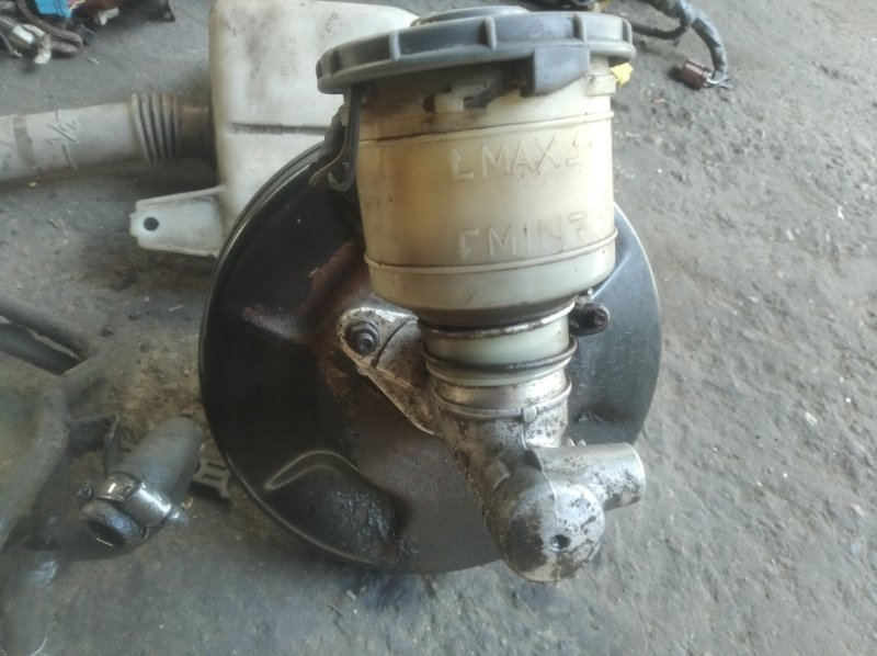 Главный тормозной цилиндр Honda Integra DA8 B16A