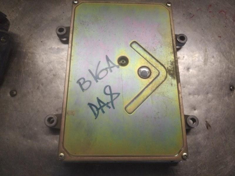 Блок управления двс Honda Integra DA8 B16A