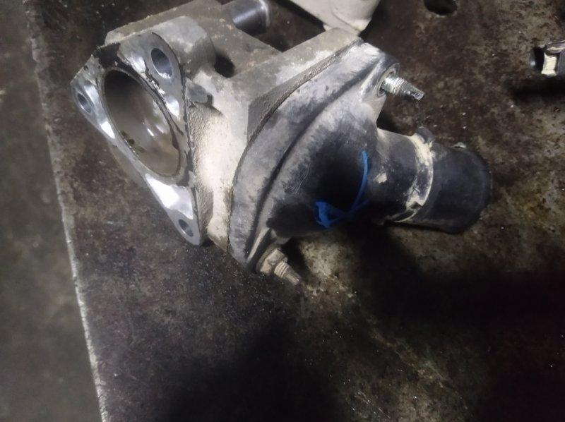Корпус термостата Toyota Corolla ZRE 151 1ZR-FAE