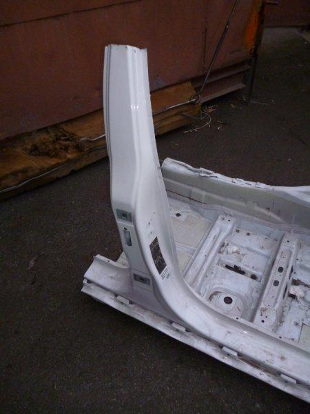 Центральная стойка с порогом П BMW 5 E60 контр.