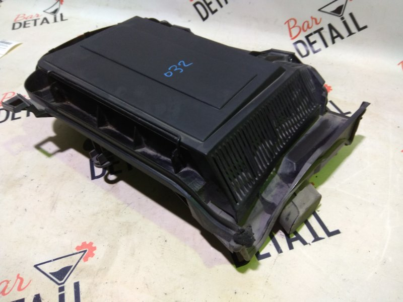 Корпус салонного фильтра левый BMW E39 контр.