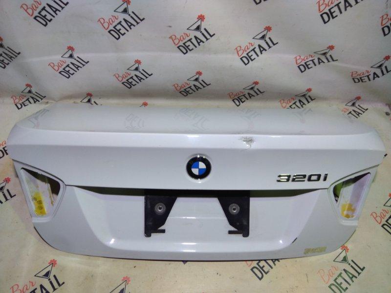Крышка багажника серебро/белая BMW e90 контр.