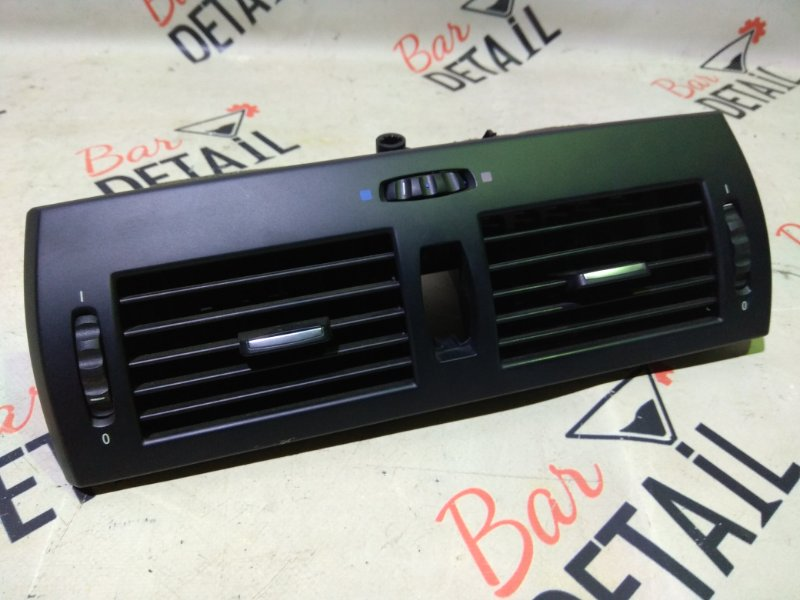Вентиляционная решетка Bmw X3 E83 N52B30K 2007 передняя верхняя