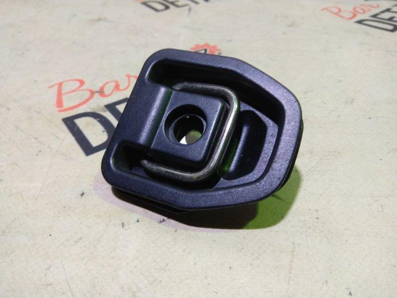 Крепежная проушина с накладкой BMW e90 контр.