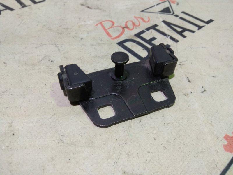 Ответная часть замка багажника Bmw 5 Серия E39 M52B28TU 1998 задняя нижняя