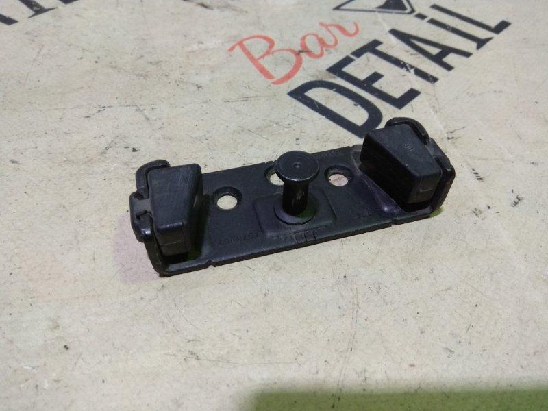 Ответная часть замка багажника Bmw 3 Серия E90 N46B20 2006 задняя нижняя
