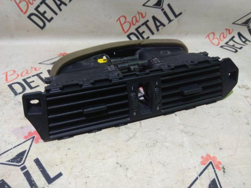 Решетка вентиляционная E60/E61 контр.